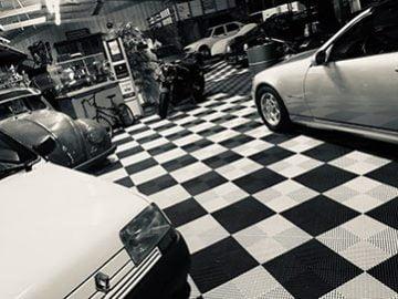 interieur-sp-auto-vintage-noir-et-blanc
